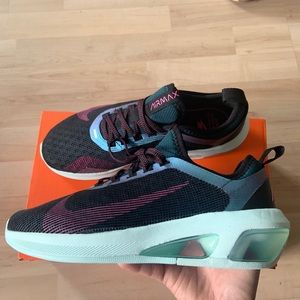 Nike Air Max Fly  size 8.5